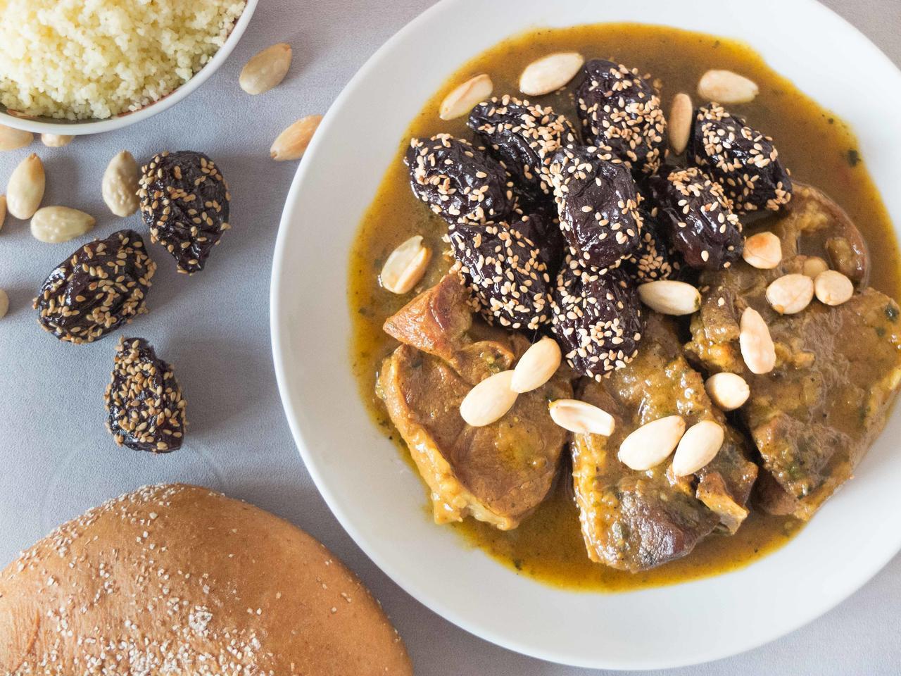 Tajine d'agneau aux pruneaux cuisiné par Fatima