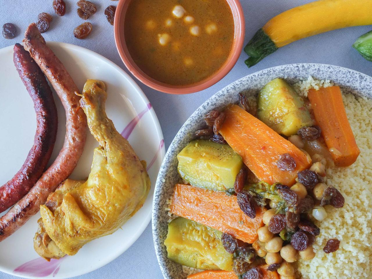 Couscous marocain poulet merguez cuisiné par Nadia-et-Zakia