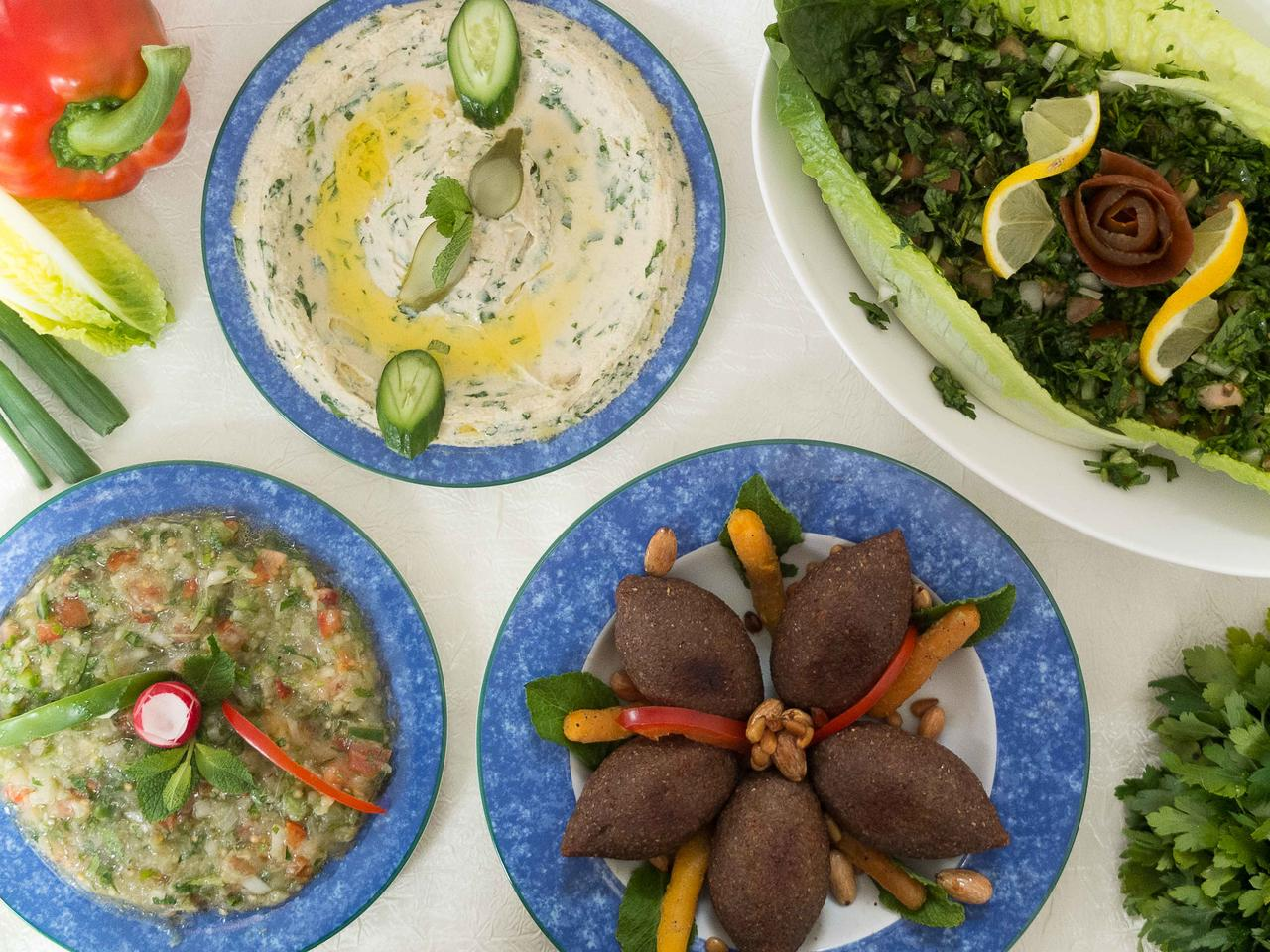 Mezze et kebbe hamis cuisiné par Thanaa