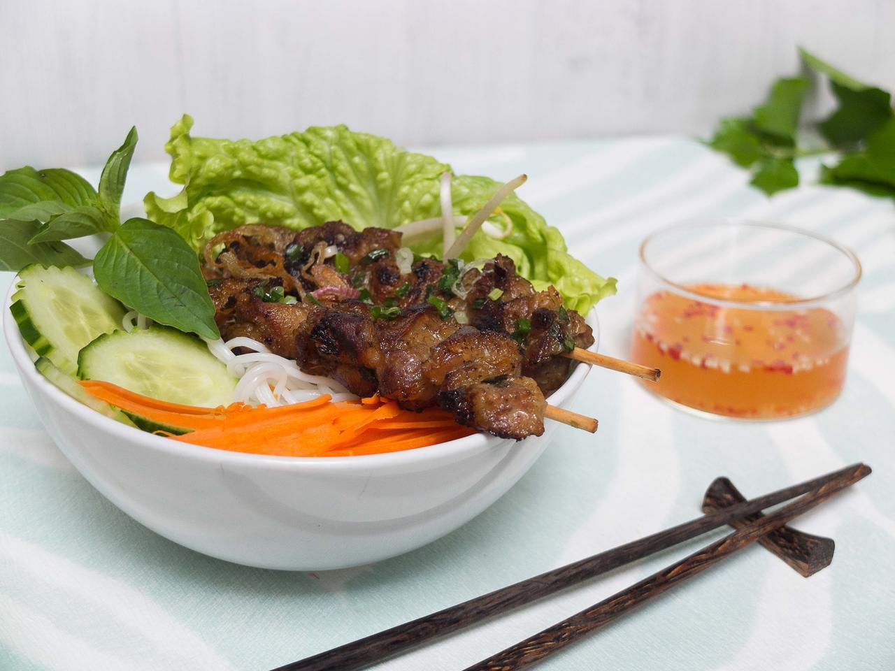 Porc grillé à la citronnelle cuisiné par Thao-Suong