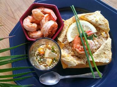 Khao Pad Koong Kra-tiem   cuisiné par Boong