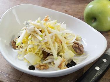 Salade d'endives, pomme granny, gorgonzola et pignons cuisiné par David