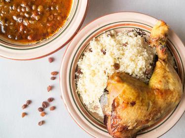 """Couscous """"royal"""" (poulet fermier et raisins secs) cuisiné par Fatima"""
