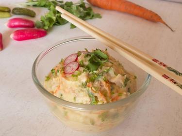 Salade geisha : salade de pommes de terre, petits légumes et blanc de dinde aux accents asiatiques cuisiné par Kevin