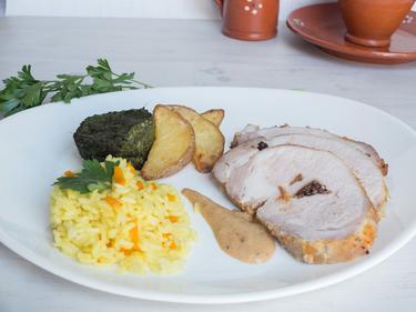 Longe de porc farcie aux pruneaux : lombo de porco rechiado com ameixas cuisiné par Luisa