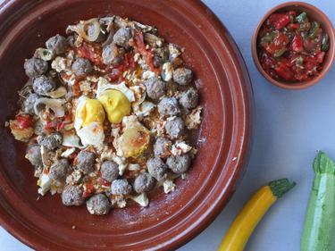 Tajine de keftas aux oeufs cuisiné par Nadia-et-Zakia