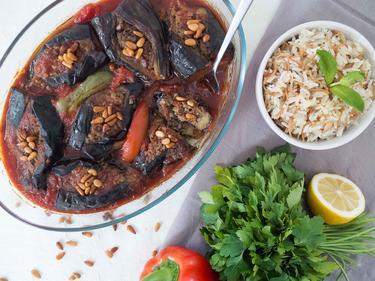Mnazalet Bitinjan : aubergines farcies au boeuf cuisiné par Thanaa