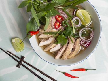 Pho au poulet cuisiné par Thao-Suong