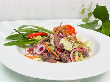 Salade de boeuf cuit dans le jus de citron cuisiné par Thao-Suong