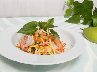 Salade de mangue verte cuisiné par Thao-Suong