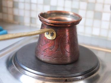 Café syrien à la cardamome cuisiné par Wafaa