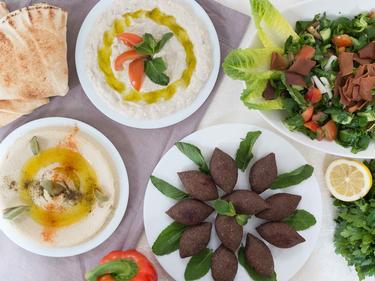 Mezze et Kebbe hamis cuisiné par Wafaa