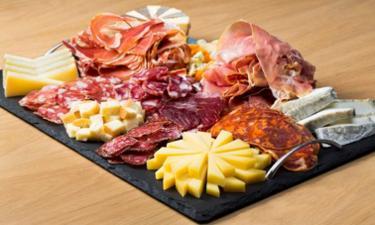 Formule FRANQUETTE ( charcuterie + fromage + crudités + dessert ) cuisiné par 15€ /pers