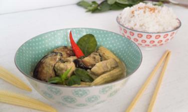 Plateau repas CURRY ( salade + curry + dessert ) cuisiné par 25€ /pers